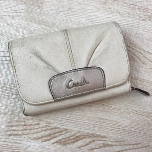 Coach White Leather Pleated Smaller Wallet